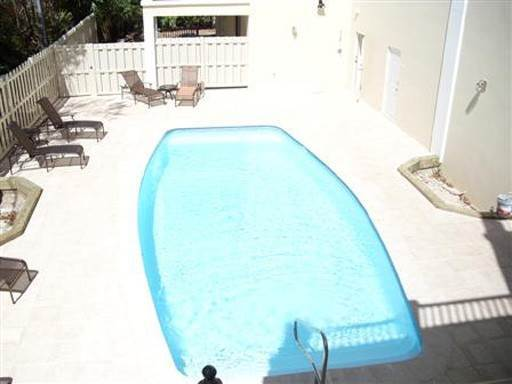 Condo / Townhouse / Flat at Rosemont City Place 15 Pembroke Parish, Bermuda
