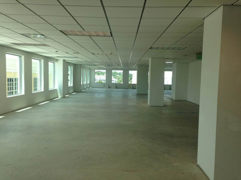 4. Commercial at Washington Mall - 2nd Floor 9 Reid Street Hamilton, HM 11 Bermuda