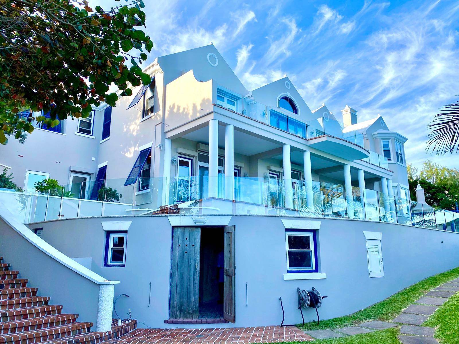 3. Maison pour l Vente à Majestic Waters 14 Cross Bay Road Southampton Parish, SN 02 Bermuda