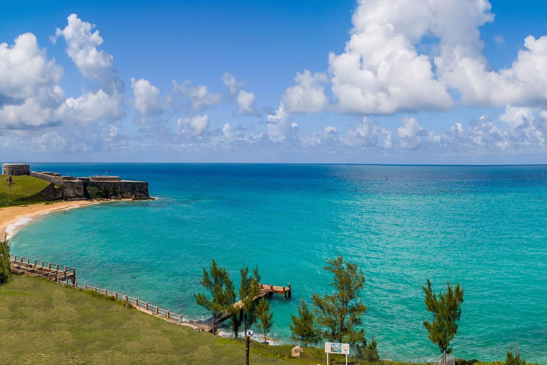5. Condo / Townhouse / Flat for Sale at St. Regis Bermuda Residences - Gates Bay 4A, 4C St. Catherine's Beach St Georges Parish, GE03 Bermuda