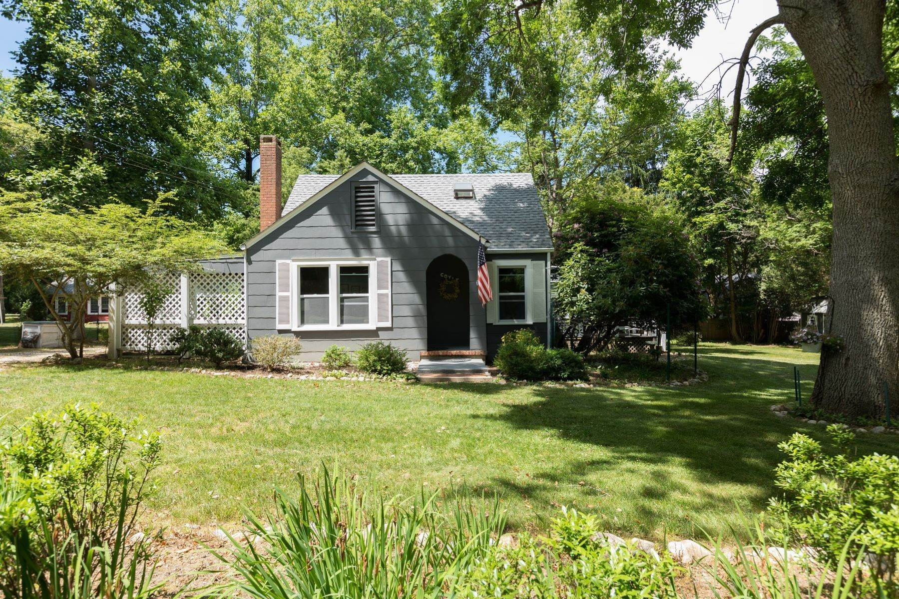 Single Family Homes por un Venta en 142d Orchard Road, Shelter Island, Ny, 11964 142D Orchard Road Shelter Island, Nueva York 11964 Estados Unidos