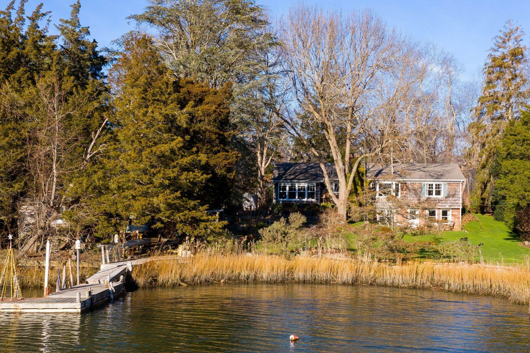 Single Family Homes por un Venta en 400 Lakeside Dr, Southold, Ny, 11971 400 Lakeside Drive Southold, Nueva York 11971 Estados Unidos