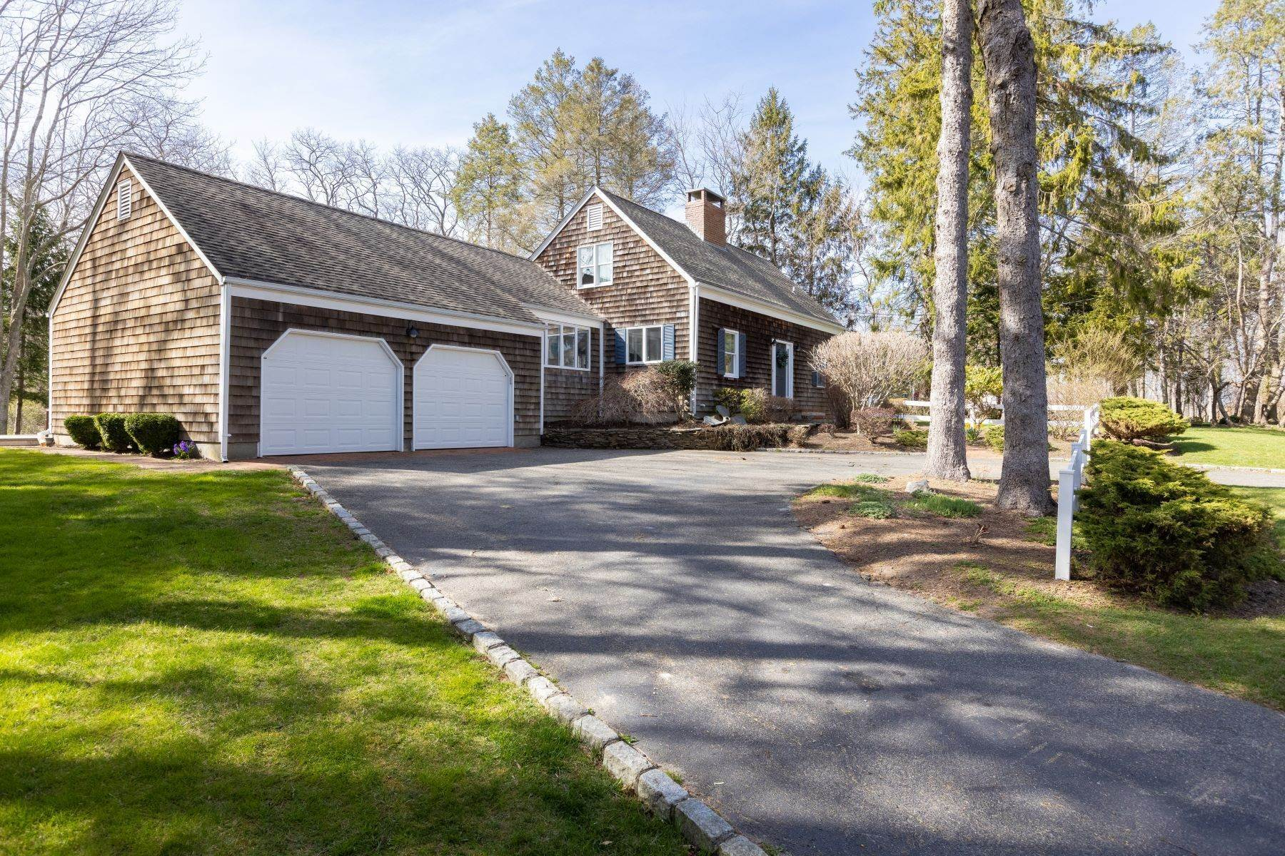 Single Family Homes por un Venta en 380 Tuthill Road, Southold, Ny, 11971 380 Tuthill Road Southold, Nueva York 11971 Estados Unidos