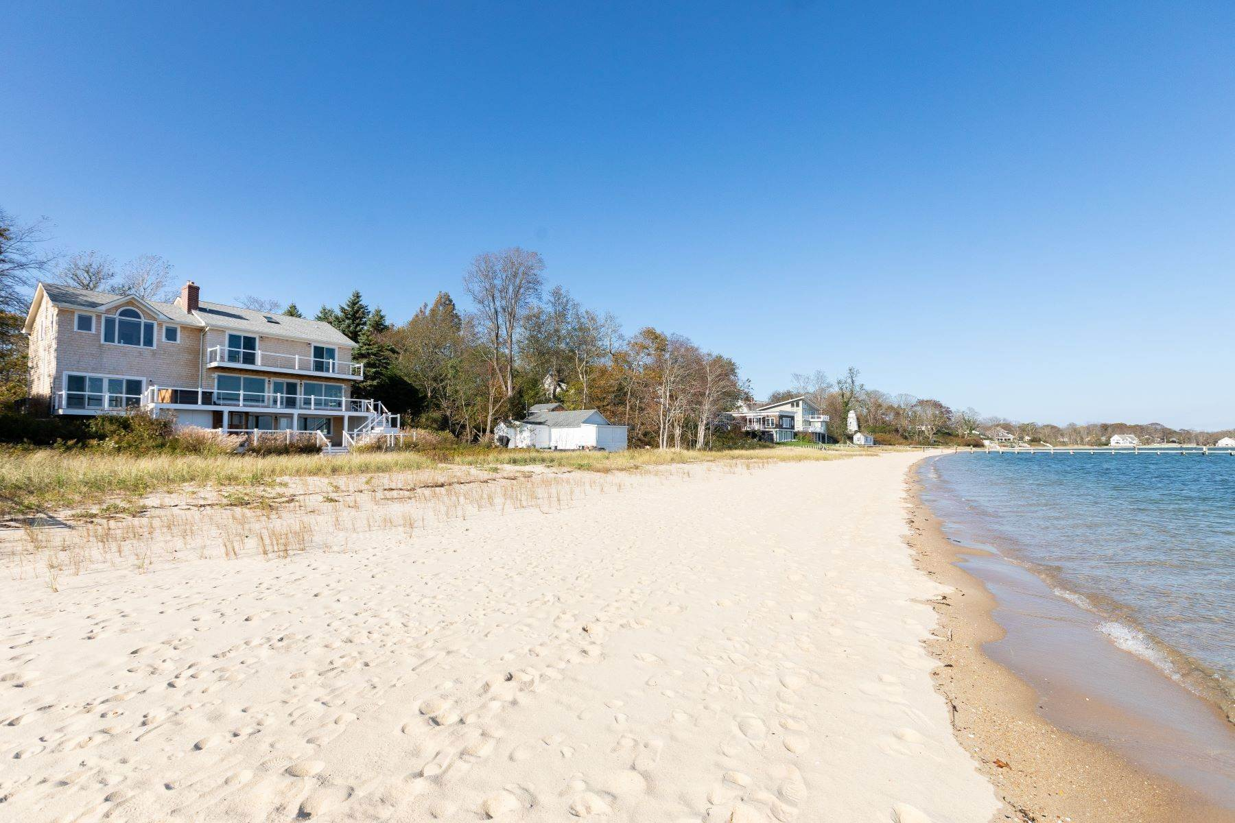 Single Family Homes por un Venta en 725 Terry Ln, Southold, Ny, 11971 725 Terry Ln Southold, Nueva York 11971 Estados Unidos