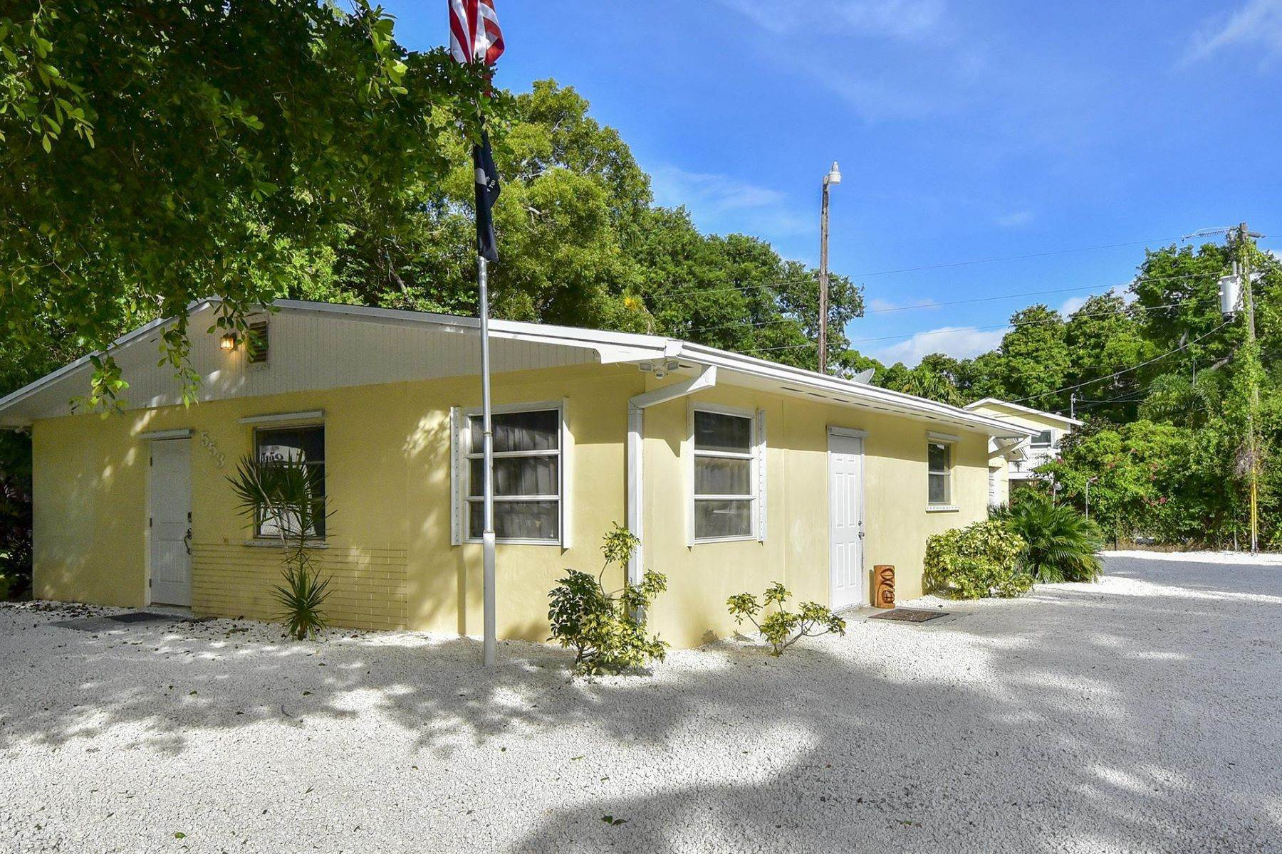 Single Family Homes for Sale at 553 Palm Drive, Key Largo, FL 553 Palm Drive Key Largo, Florida 33037 United States