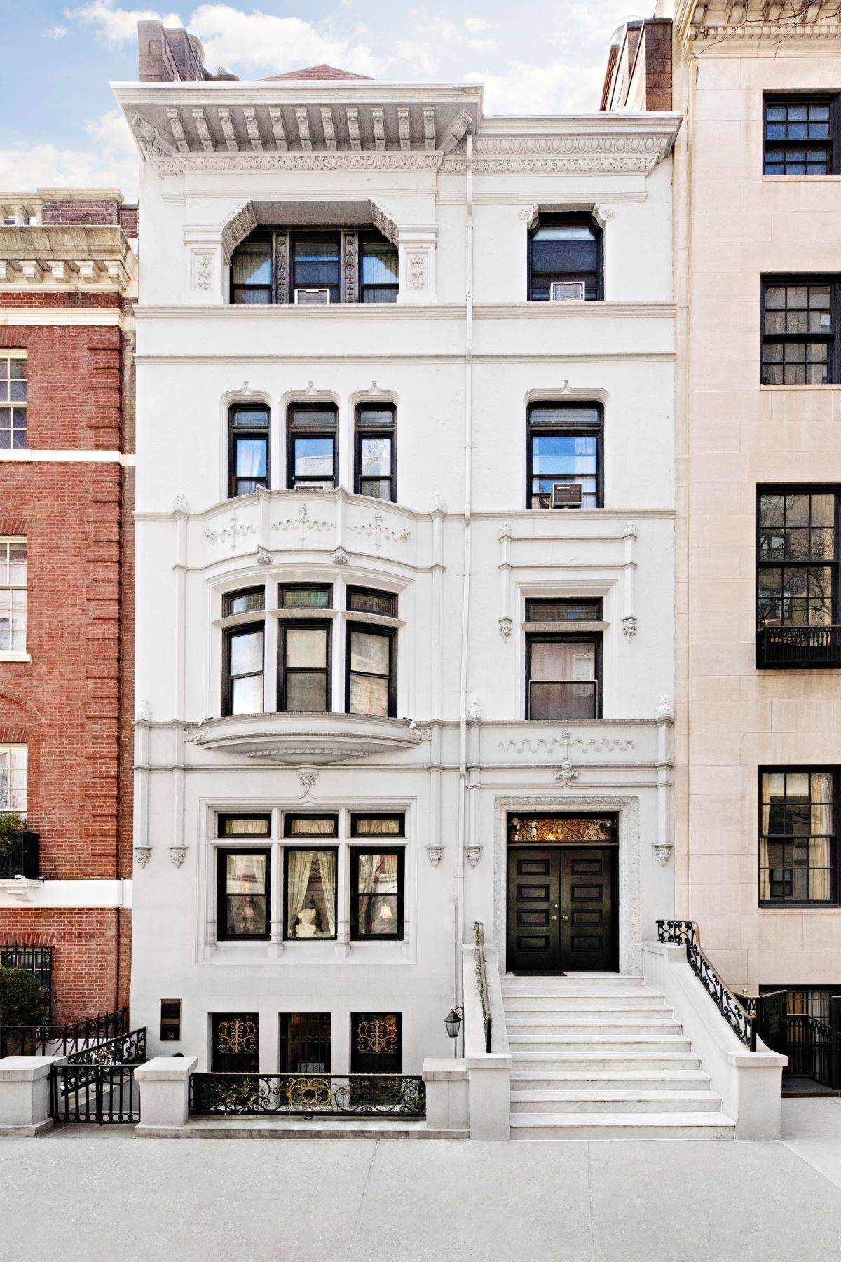 townhouses for Sale at 30' Historic Townhouse Opportunity 14 East 69th Street New York, New York 10021 United States